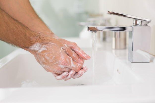 Mencuci tangan untuk mencegah virus corona
